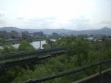 新緑の北上川