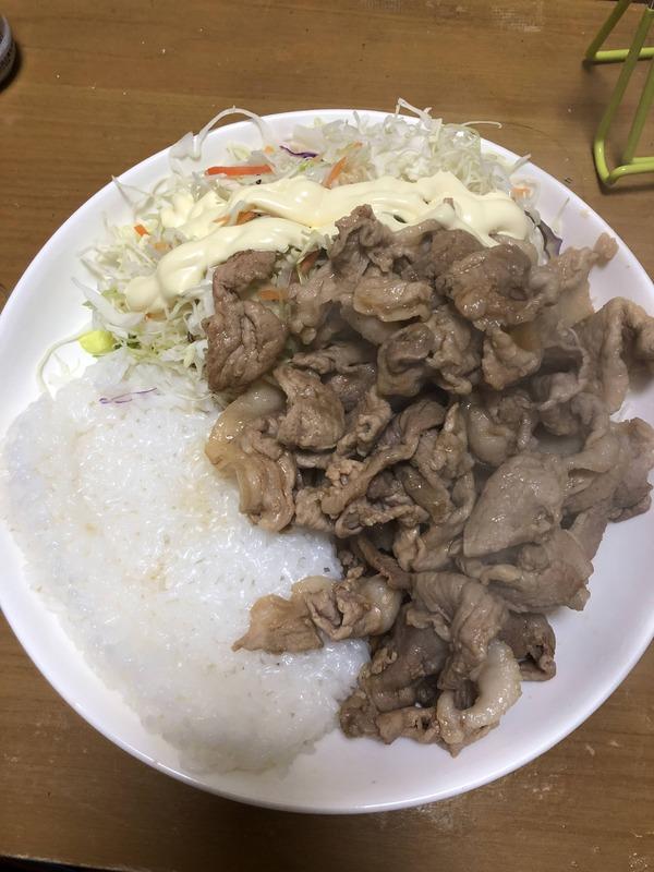 【底辺飯】ワイの豪華な夕飯www 【画像あり】