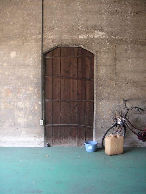 2020-5-19_自転車とグリーンの床A
