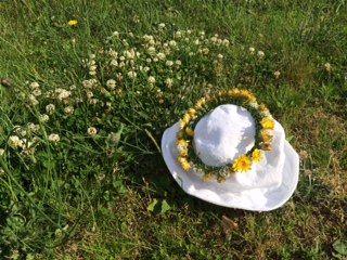 IMG_0150  花の帽子ななちゃん