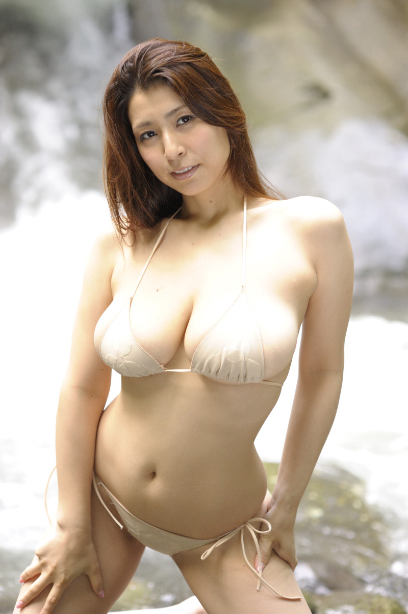 岡田真由香ヘアーヌード