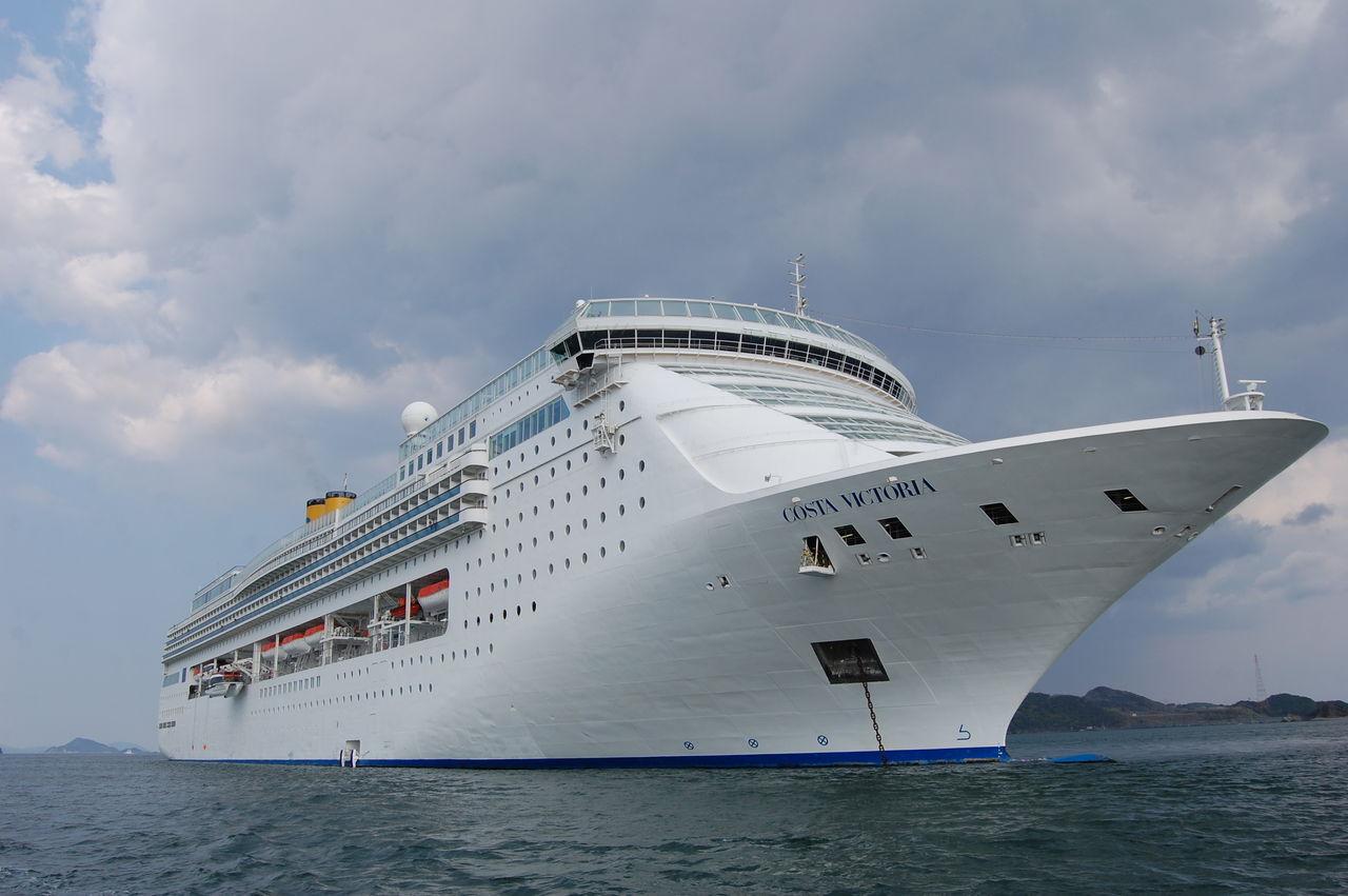 5月4日 鳥羽港に豪華客船「Costa...