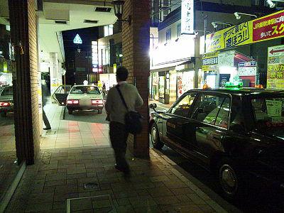 秋津駅前にタクシー