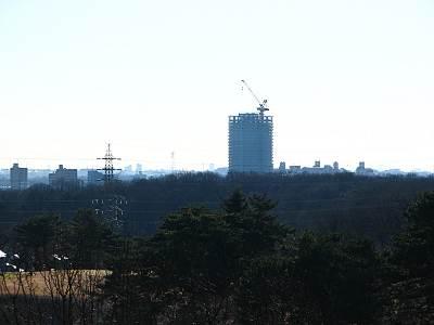 東村山駅直結のマンション建設中