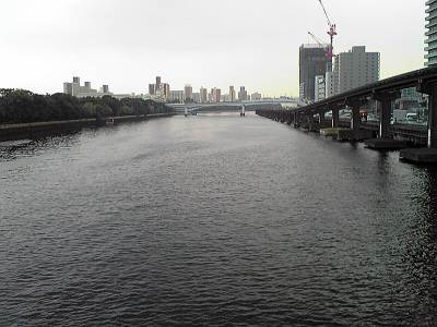 大井北ふ頭橋から見た京浜運河