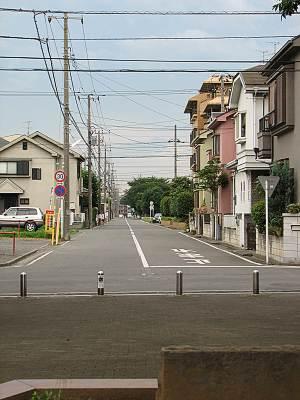 亀ヶ谷公園前の道