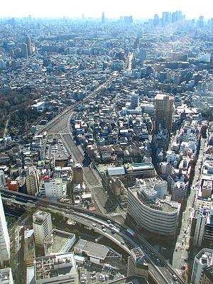 上から見た東京都市計画道路事業幹線街路環状第五の一号線(昼)