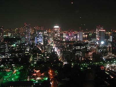 東京タワーからの夜景(真中に世界貿易センタービル?)