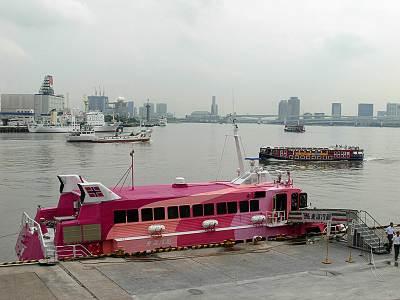 竹芝桟橋周辺の船