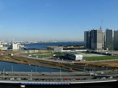 そごう横浜店の屋上から見たベイブリッジ方面