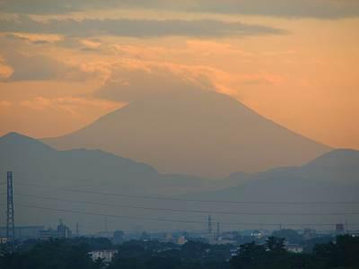 イトーヨーカドー東久留米店屋上からの富士山少し拡大