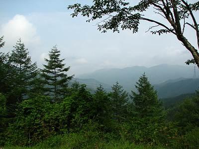 ぶどう峠から長野県側の眺望