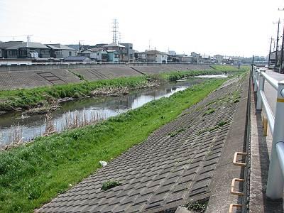 朝霞城山公園横の黒目川