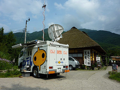 大内宿に福島中央テレビのロケ車