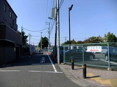 京王閣近くの有料駐車場