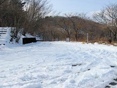 刈場坂峠付近の雪の様子