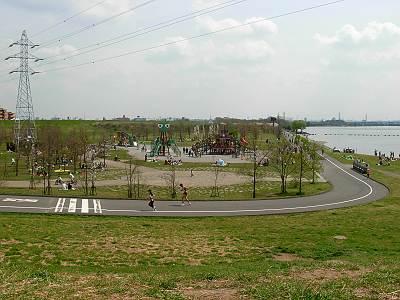 カマキリ公園(荒川彩湖公園) 遠景