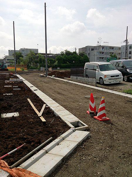 作り途中の道路