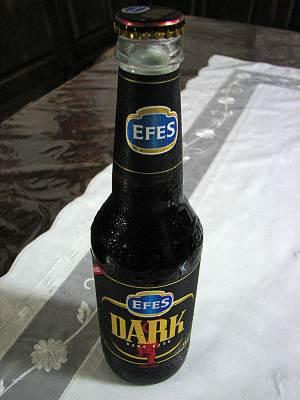 トルコのビール エフェスダーク(EFES DARK)