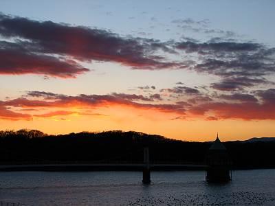 狭山湖からの夕日