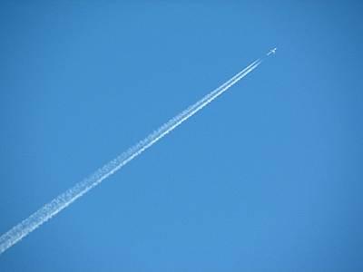 マミーマート所沢山口店から見る飛行機雲
