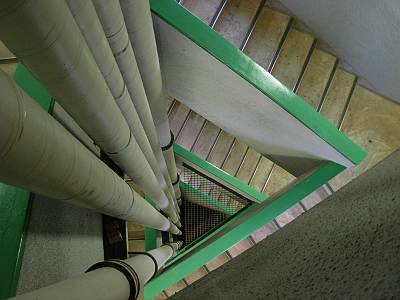 瑞穂町スカイホール展望広場への階段