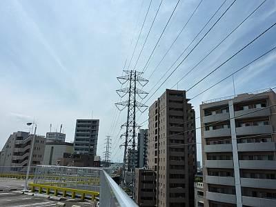 志木駅南口の送電線1