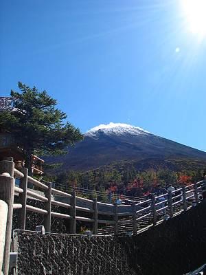 富士スバルライン五合目から見る富士山山頂