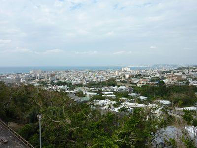 嘉数高台公園から見る海岸線
