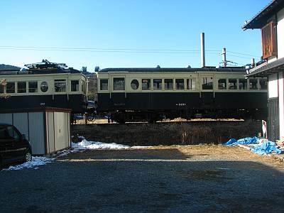 別所温泉駅の丸窓電車