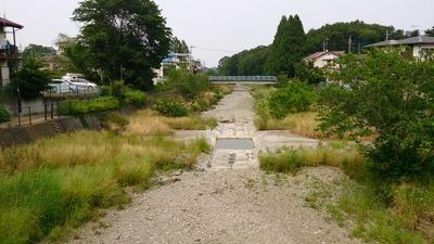 空堀川はカラカラ