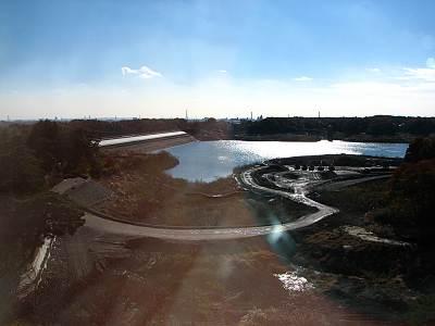 掬水亭から見る多摩湖(村山下貯水池)