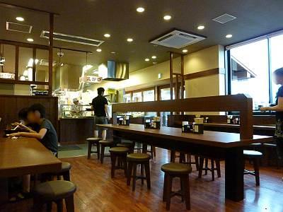 丸亀製麺所沢東店の店内