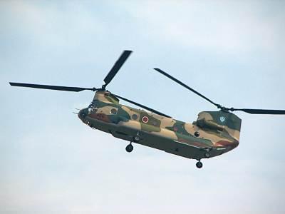 入間航空祭 CH-47 空中静止