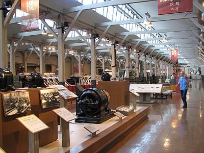 産業技術記念館 繊維機械館