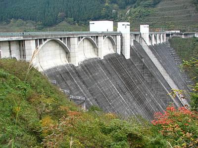 浦山ダム(秩父さくら湖)