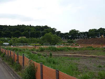 日比田調節池近くの農作地