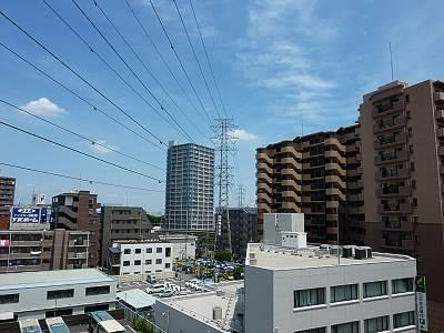 志木駅南口の送電線2
