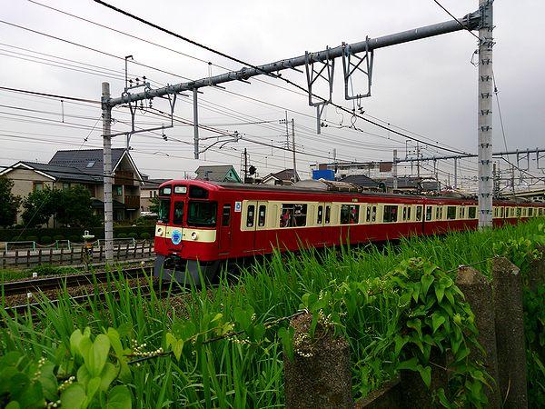 西武鉄道の幸福の赤い電車