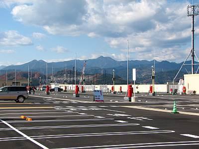 イオンモール日の出の屋上駐車場からの風景