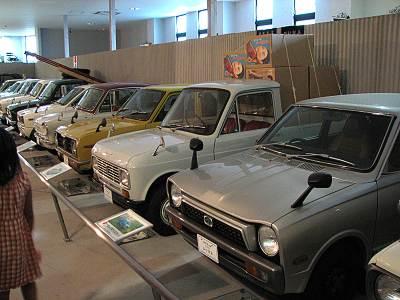 おもちゃと人形 自動車博物館 軽自動車がいっぱい