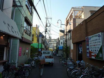 神明湯周辺の商店街
