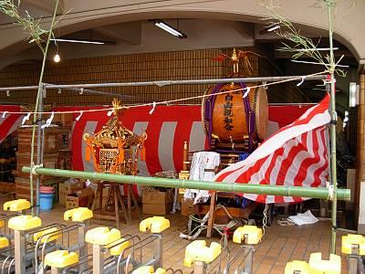 荻窪白山神社の例大祭 タウンセブン下のお神輿