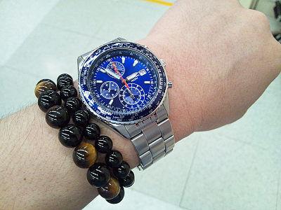 ブレスレットと時計