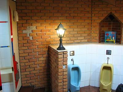 東武百貨店池袋店のお子様専用トイレの小便器