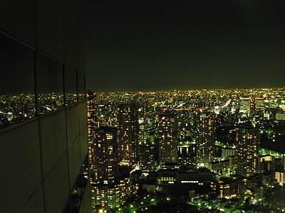 聖路加タワー46Fエレベータホールからの夜景