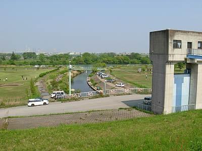 南畑排水機場近く