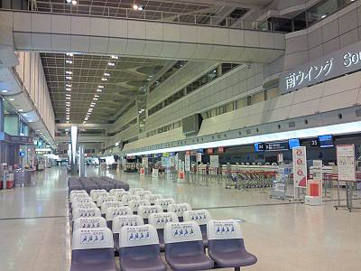 夜の羽田空港1