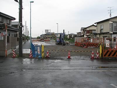 オートバックス前の道路開通間近?