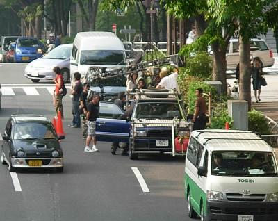 新宿中央公園前で映画撮影?